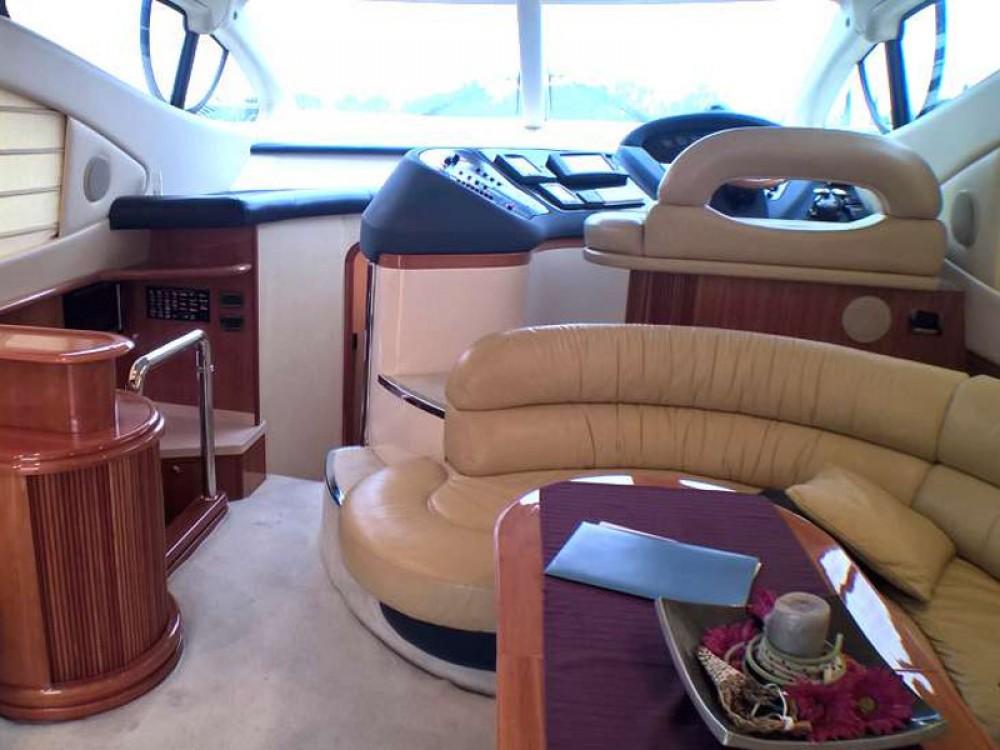 Noleggio Barca a motore con o senza skipper Azimut Pirovac