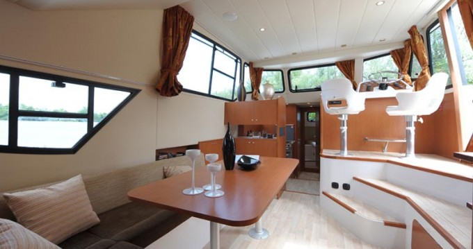 Noleggio yacht a Precenicco – Houseboat Holidays Italia srl Minuetto6+ su SamBoat