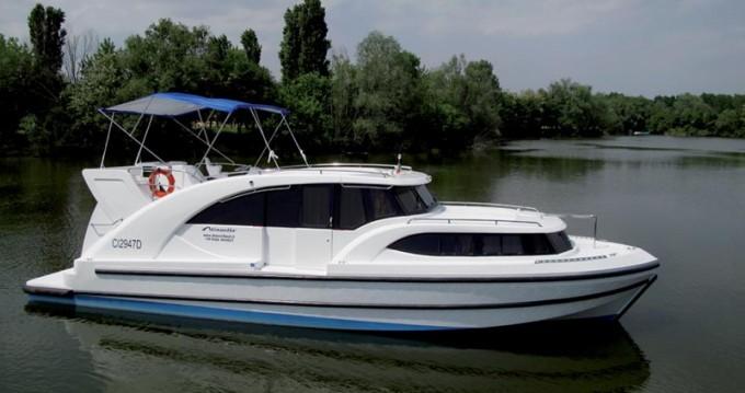 Houseboat Holidays Italia srl Minuetto6+ tra privati e professionisti a Precenicco