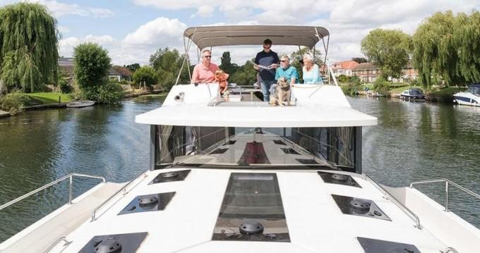 Houseboat a noleggio a Carrick-on-Shannon al miglior prezzo