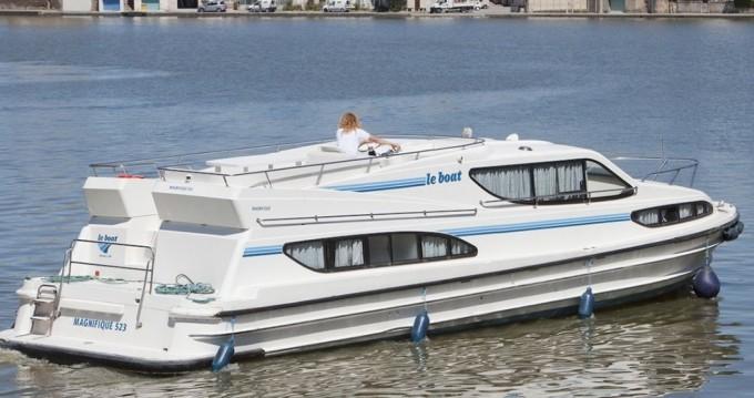 Noleggio yacht a Staines – Connoisseur Magnifique  su SamBoat