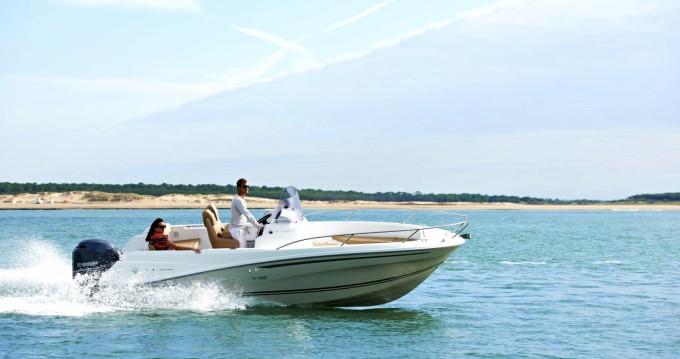 Noleggio Barca a motore a Toulon – Jeanneau Cap Camarat 6.5 CC