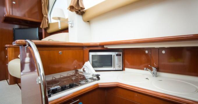 Noleggio barche Ragusa economico Prestige 36