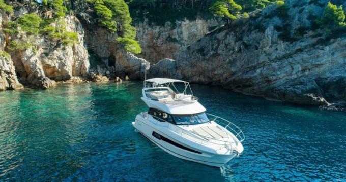 Noleggio Barca a motore a Ragusa – Jeanneau Prestige 460