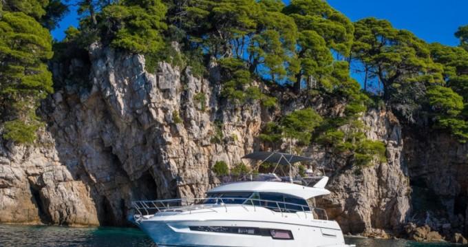 Barca a motore a noleggio a Ragusa al miglior prezzo