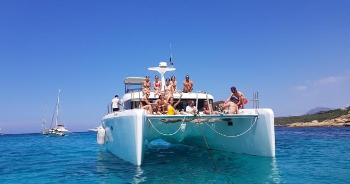 Noleggiare una Lagoon Lagoon 40 Motor Yacht a Cannes