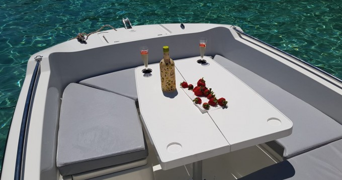 Noleggiare una V2-Boat 5.0 a Formentera