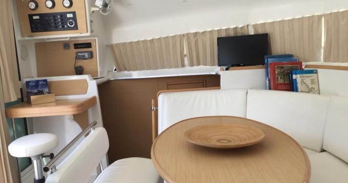 Noleggio barche Napoli economico Lagoon 38