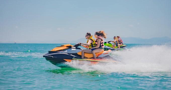 Noleggiare una Sea-Doo GTI a Cullera