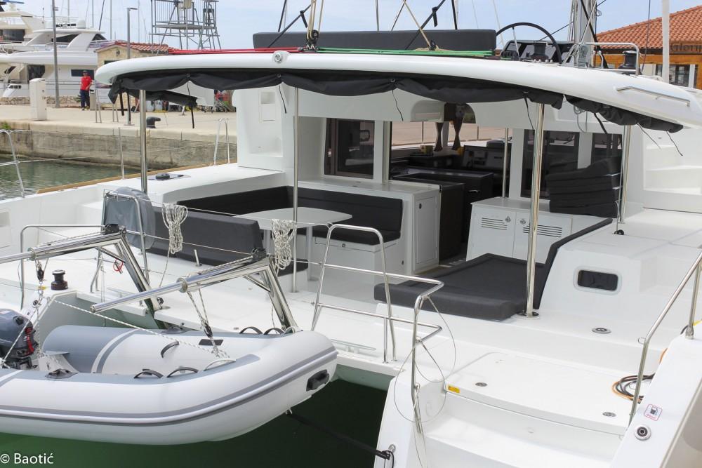 Noleggio Catamarano con o senza skipper Lagoon Seghetto
