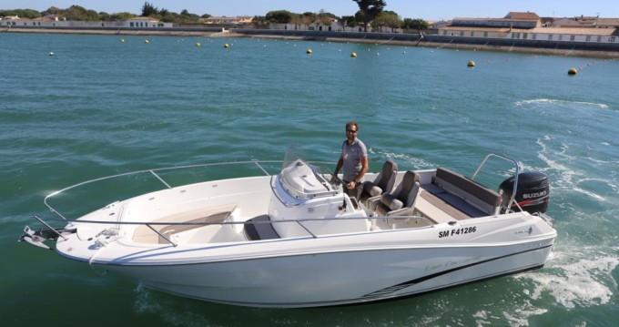 Jeanneau Cap Camarat 7.5 CC tra privati e professionisti a La Flotte