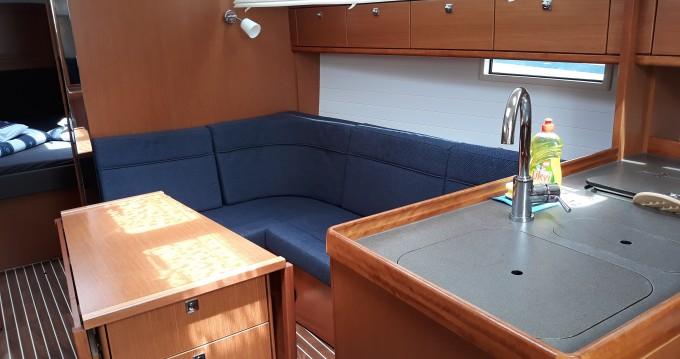 Bavaria Cruiser 37 tra privati e professionisti a Sukošan