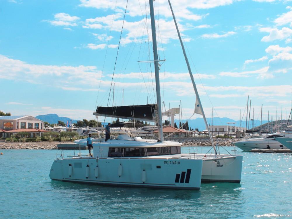 Noleggio barche Seghetto economico Lagoon 450 Fly