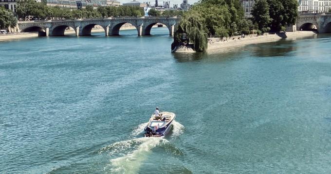 Noleggiare una Quicksilver Guernsey Classic 20 a Paris
