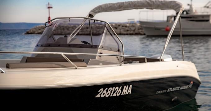 Noleggio Barca a motore a Podgora – Atlantic open 670