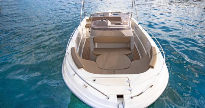 Noleggio barche Atlantic open 670 a Podgora su Samboat