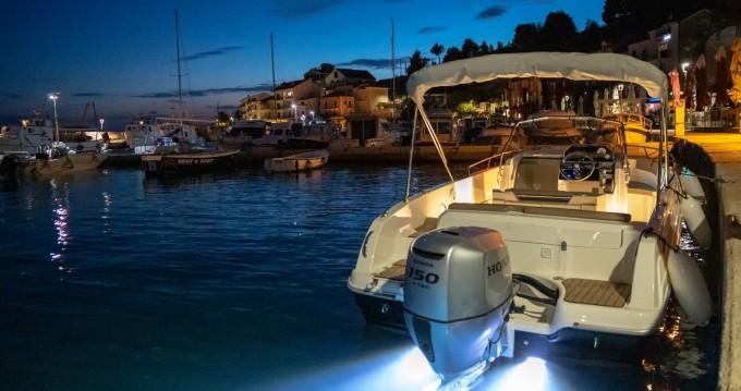 Noleggio barche Podgora economico open 670