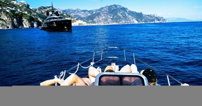 Noleggio Gommone con o senza skipper Salpa a Torre del Greco