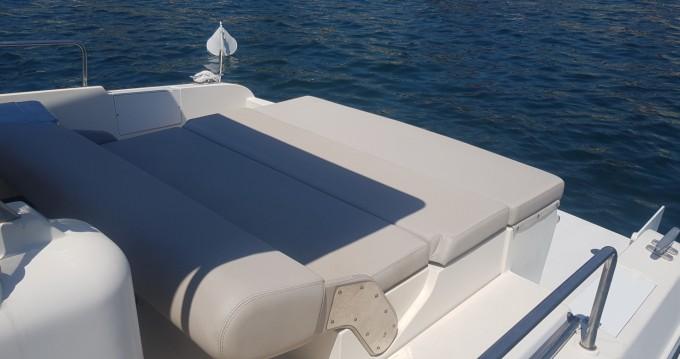 Noleggio barche Napoli economico lupo di mare 36 open