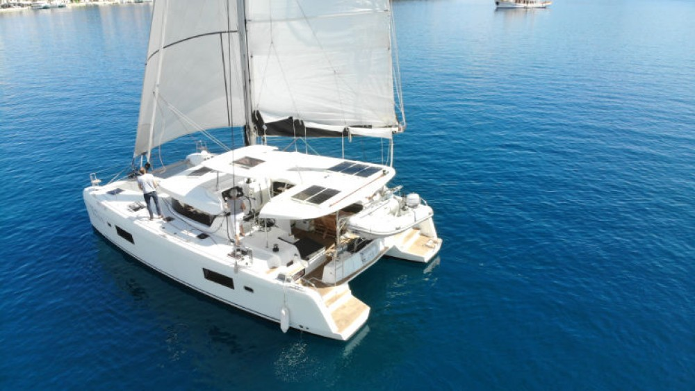 Noleggio Catamarano con o senza skipper Lagoon Rogosnizza