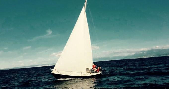 Barca a vela a noleggio a Genève al miglior prezzo