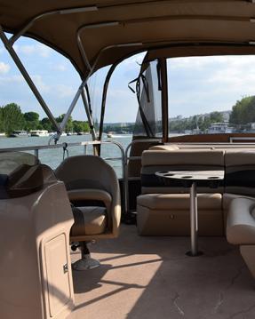 Noleggio Barca a motore Suntracker con patente nautica