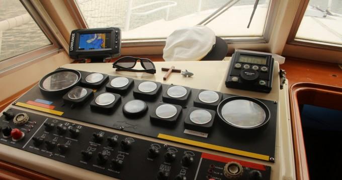 Noleggio Barca a motore con o senza skipper Calafuria a Livorno
