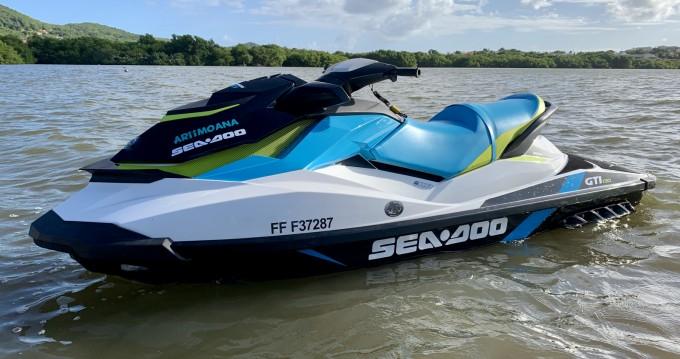 Noleggiare una Sea-Doo GTI 130 a Le Lamentin