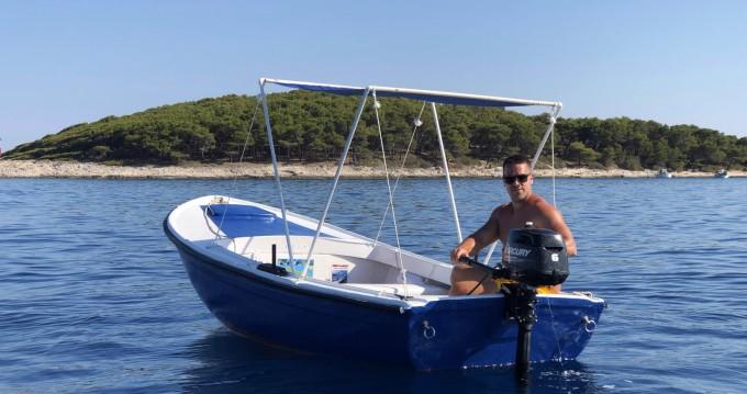Noleggio Barca a motore con o senza skipper Pasara a Lesina