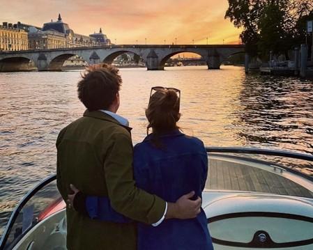 Barca a motore a noleggio a Paris al miglior prezzo