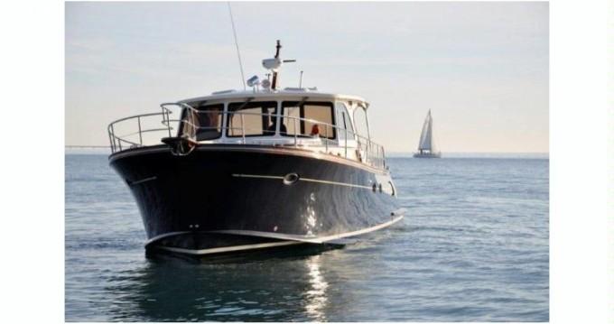Yacht a noleggio a Sperlonga al miglior prezzo