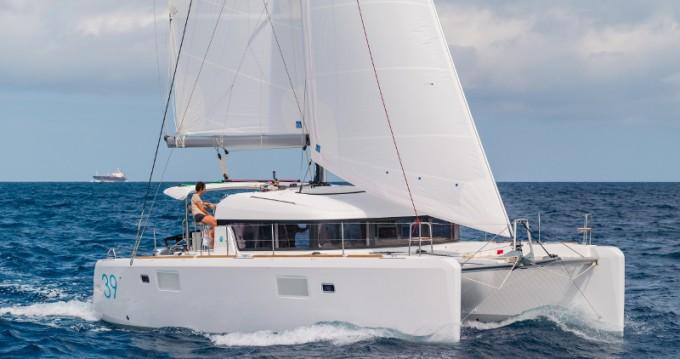 Catamarano a noleggio a Porto al miglior prezzo