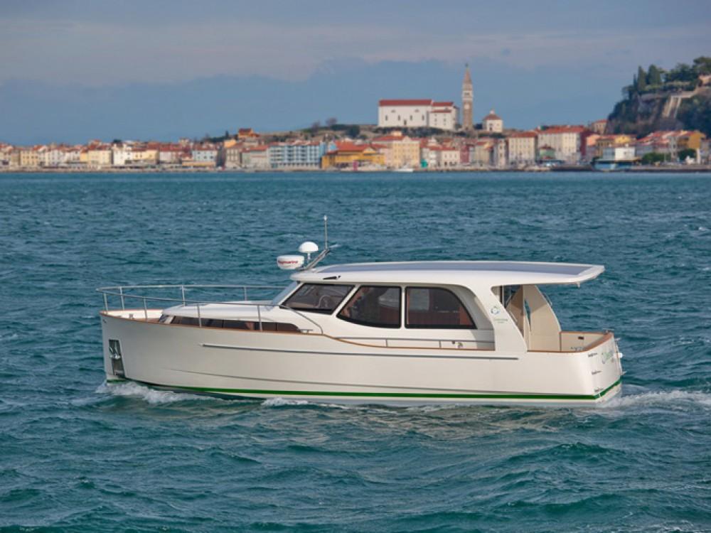 Noleggio barche Vila Nova de Gaia economico Greenline 33