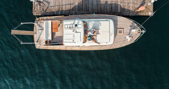Noleggio Barca a motore Picchiotti con patente nautica