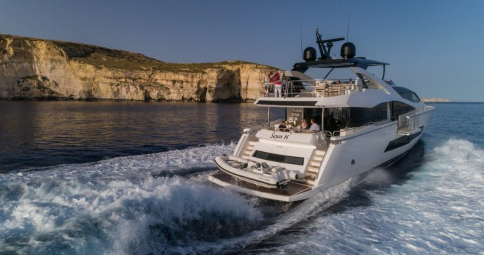Noleggio barche San Julian's economico Yacht 86