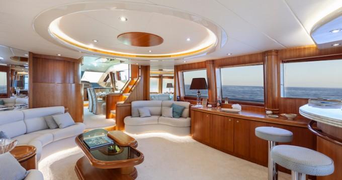Yacht a noleggio a San Julian's al miglior prezzo