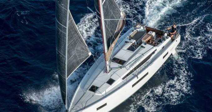 Noleggiare una Jeanneau Sun Odyssey 410 Performance a Tropea