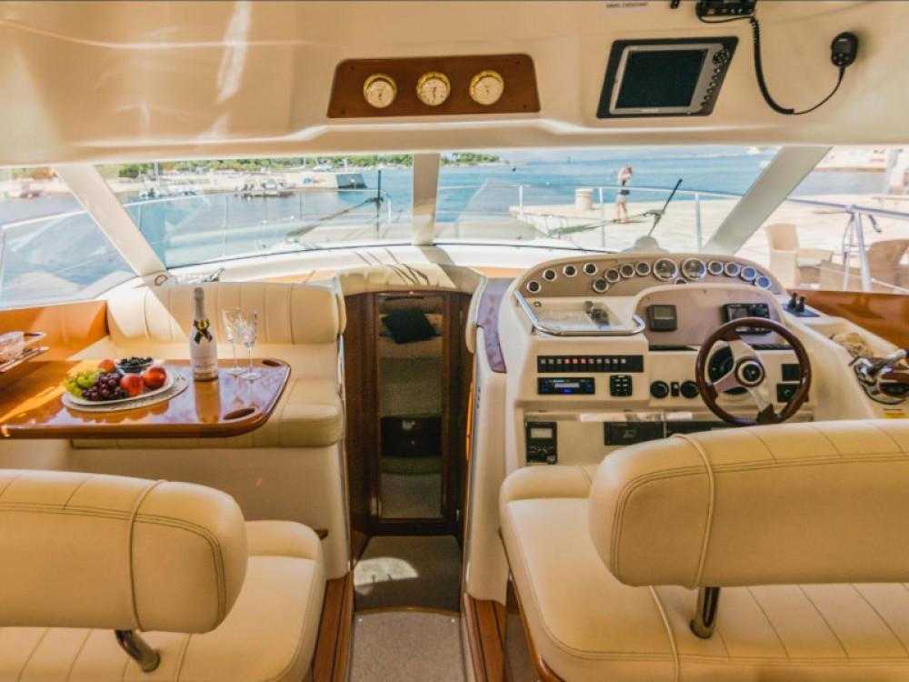 Jeanneau Jeanneau Prestige 46 Fly tra personale e professionale Spalato