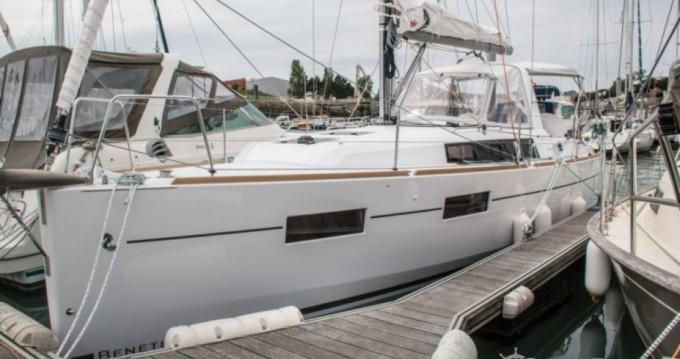 Bénéteau Oceanis 35 tra privati e professionisti a Les Sables-d'Olonne