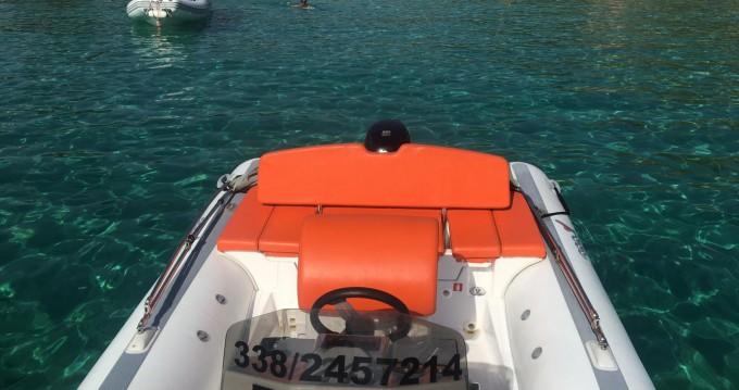 Noleggio Gommone a Olbia – MV Marine 18 technology
