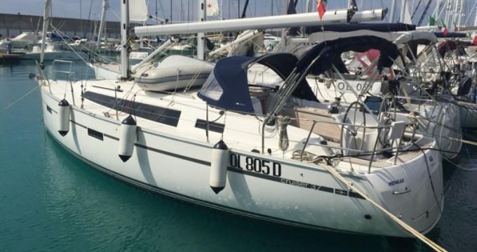 Noleggiare una Bavaria Bavaria Cr 37 a Marina di Portorosa