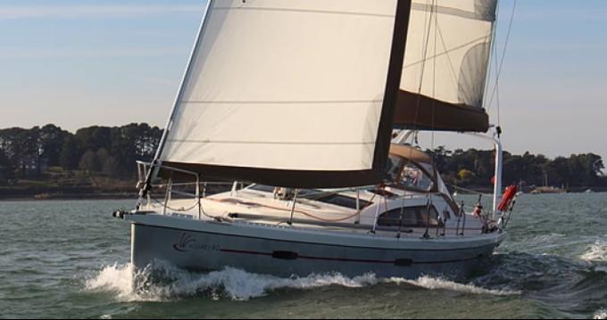 Noleggio Barca a vela Allures con patente nautica