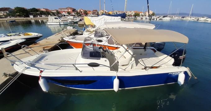 Noleggio Barca a motore con o senza skipper Focus a Bibinje
