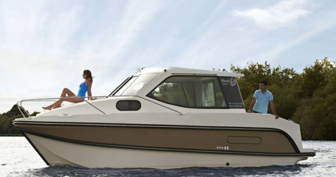 Noleggio Barca a motore con o senza skipper  a Sucé-sur-Erdre