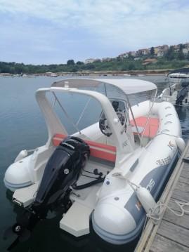 Noleggio Gommone con o senza skipper Kardis a Pula