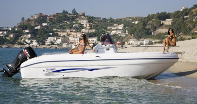 Noleggio yacht a Formicoli – Ranieri Soverato 545 su SamBoat