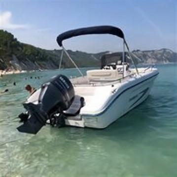 Noleggio barche Ranieri Soverato 545 a Formicoli su Samboat