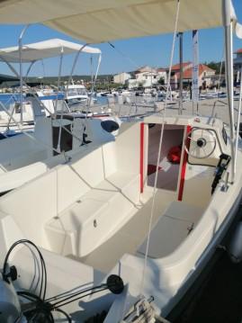 Noleggio Barca a motore con o senza skipper Ven a Traù