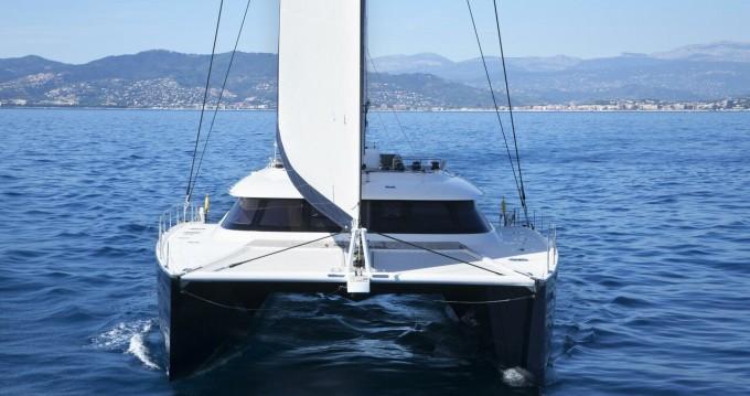 Noleggio Catamarano Sunreef con patente nautica