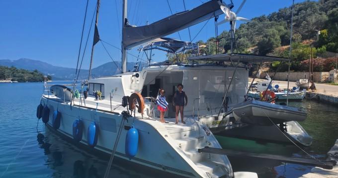 Catamarano a noleggio a Lefkada (Isola) al miglior prezzo